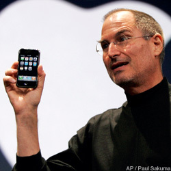 Jobs_iphone_250x